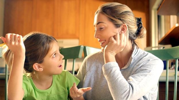 Child asking question - UNDERSTANDING THE FACTORS THAT MAKE CHILDREN BRILLIANT